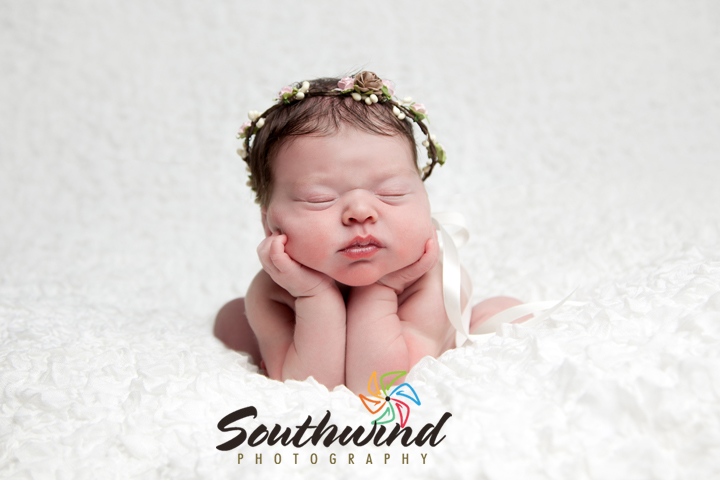 Baby evelyn was such a good little sleeper she slept peacefully through the whole session but let us see her gorgeous eyes right at the end